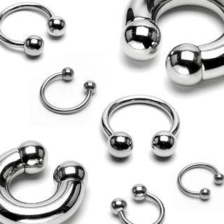 Piercing podkova