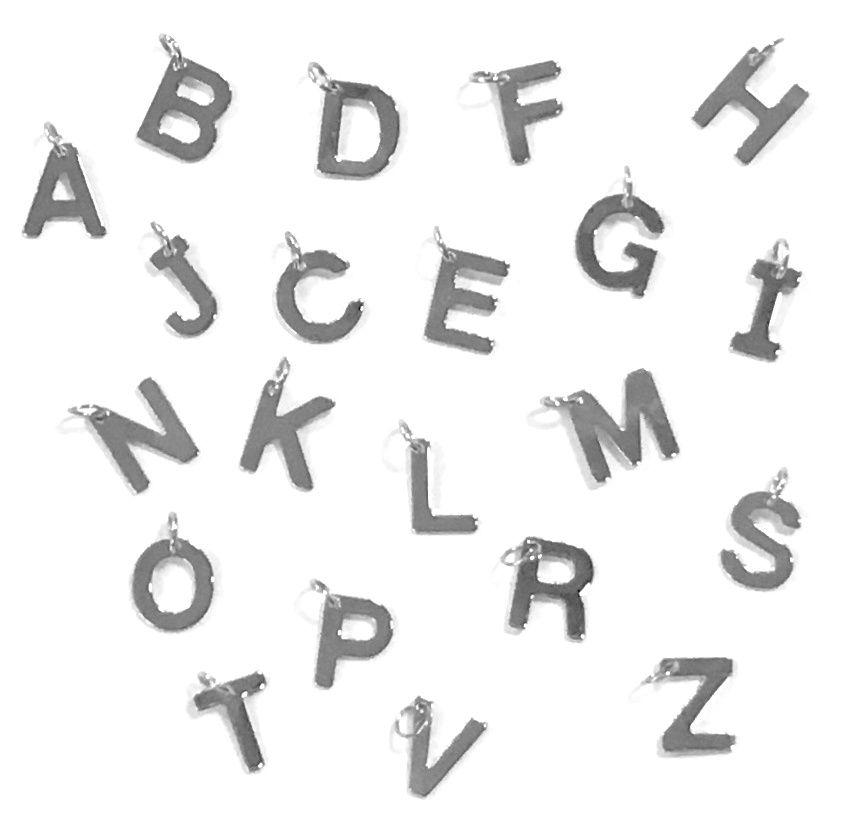 Přívěsek písmeno